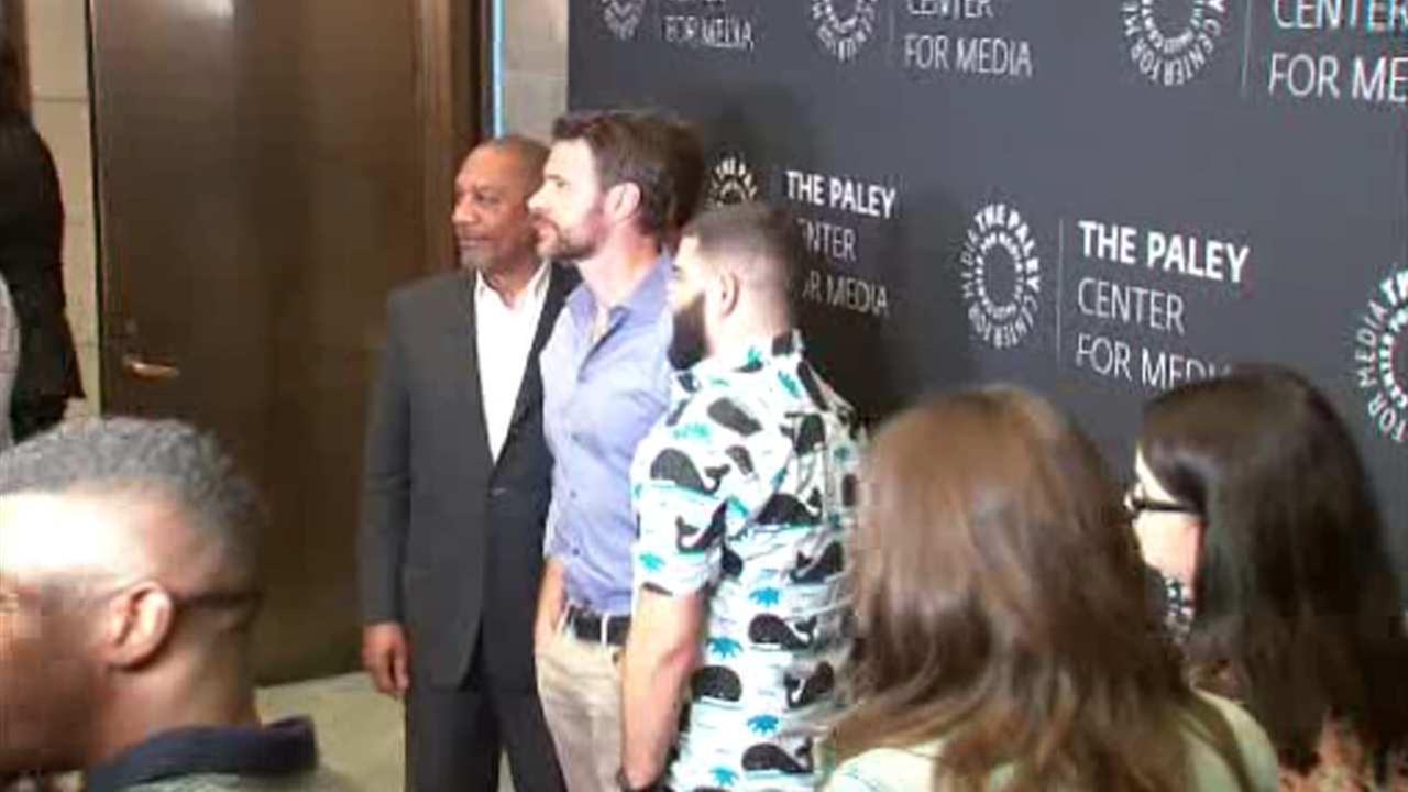 'Scandal' stars watch season finale alongside fans in Midtown