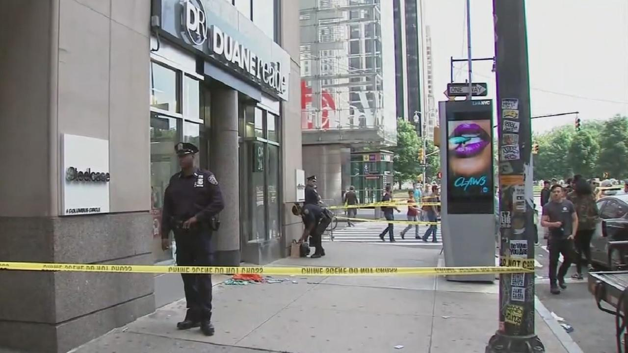 Customer slashed at Columbus Circle Duane Reade, police say