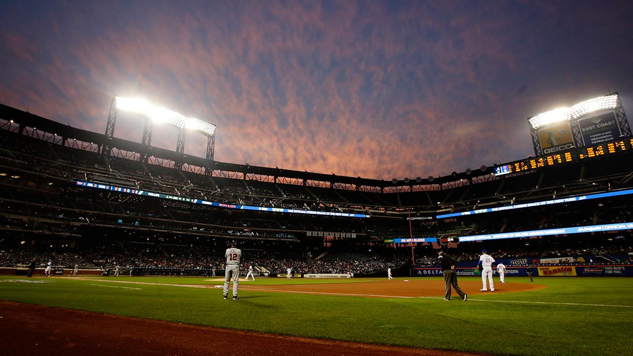 The Atlanta Braves play the New York Mets during the second inning of a baseball game at Citi Field, Wednesday, April 5, 2017, in New York. (AP Photo/Frank Franklin II)