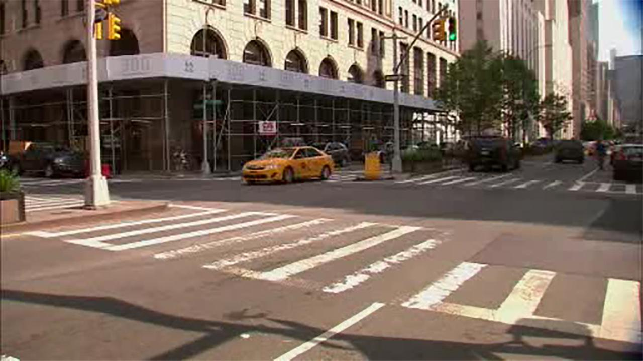 Man critically injured after being hit by MTA bus in Manhattan