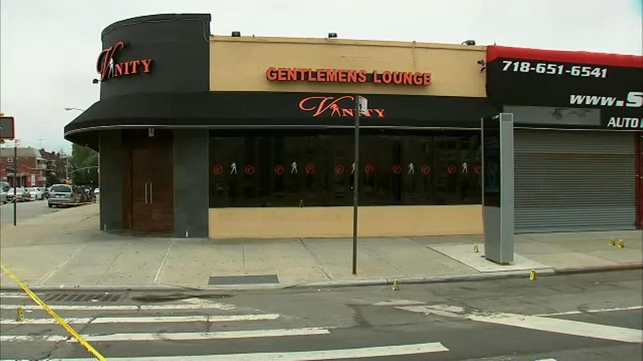Man found dead outside Queens strip club, police investigating