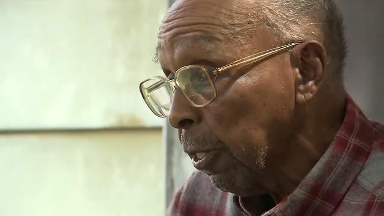 91-year-old Tennessee man arrested, cuffed for waving stick