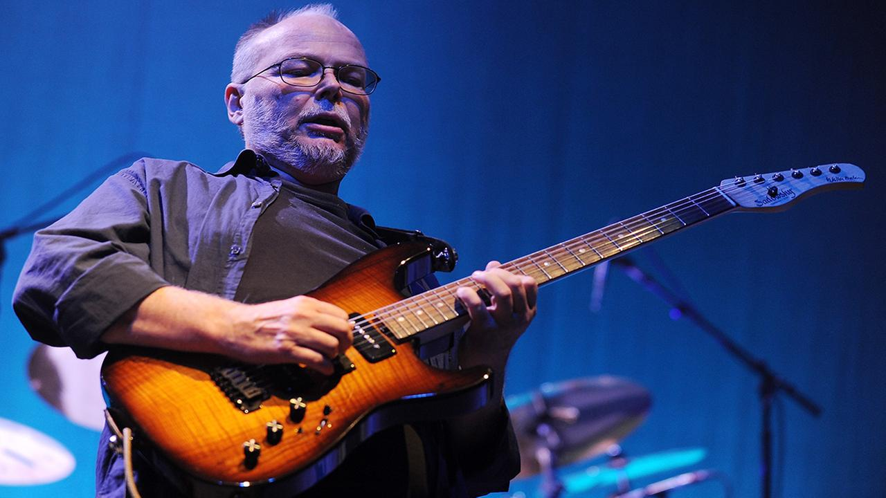 Guitarist Walter Becker of the band Steely Dan performs at Collaborating for a Cure the Samuel Waxman Cancer Research Foundation Benefit Concert on Thursday, Nov. 20, 2008