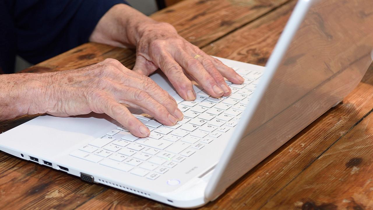 New survey reveals Facebook no-nos for grandparents