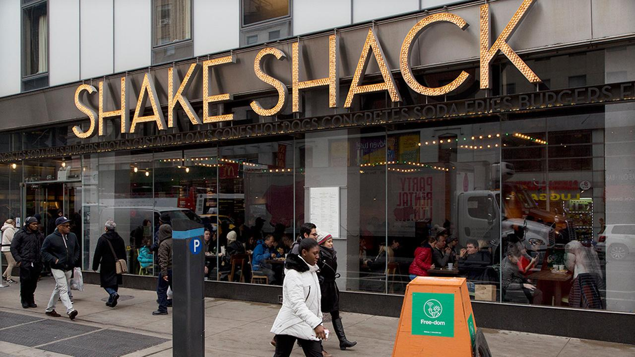 Shake Shack to go cashless at upcoming Manhattan location