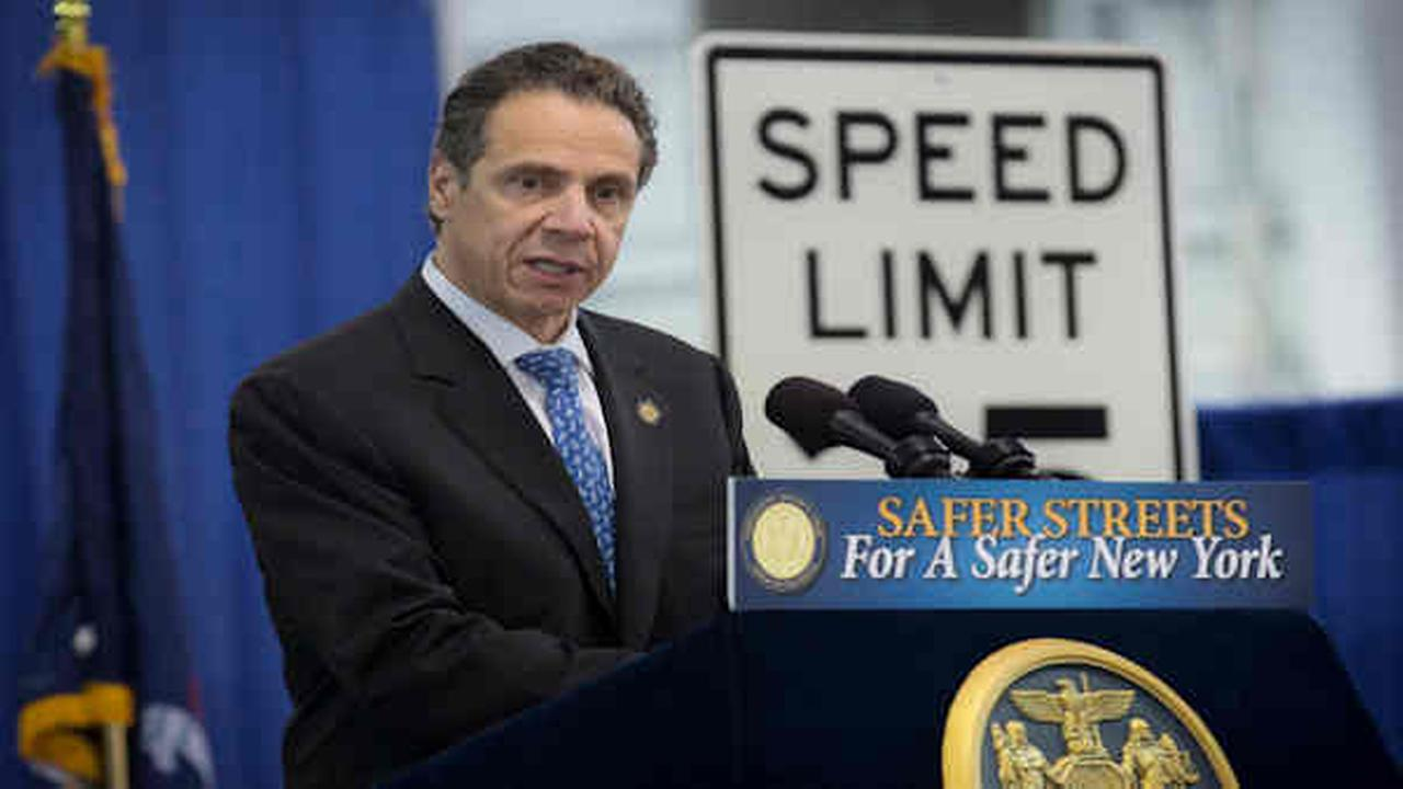 Cuomo signs law lowering New York City speed limit to 25