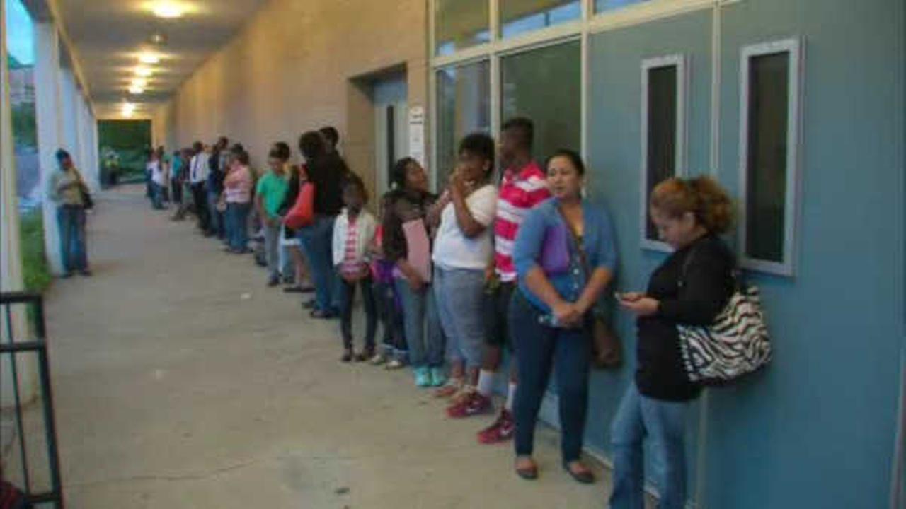Baraka calls for Christie to get involved with Newark school enrollment