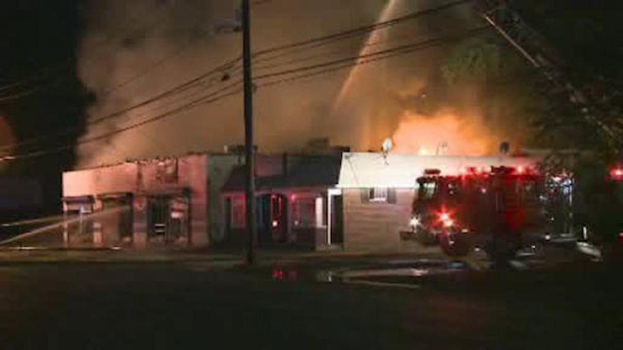2-alarm fire breaks out at meat market in Piscataway, New Jersey