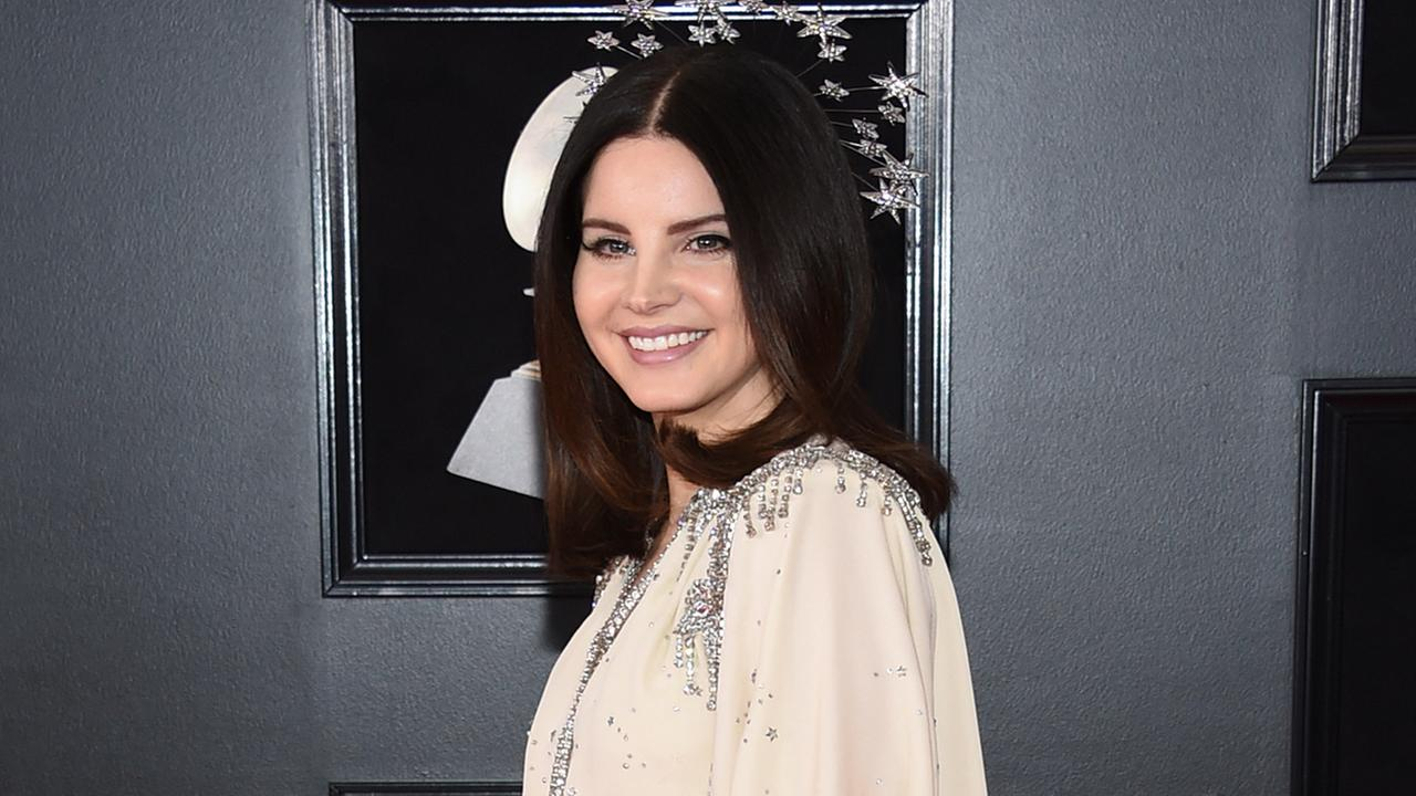 Lana Del Rey arrives at the 60th annual Grammy Awards at Madison Square Garden on Sunday, Jan. 28, 2018, in New York. (Photo by Evan Agostini/Invision/AP)
