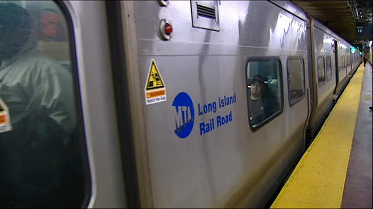 LIRR had worst on-time performance in 18 years, new report says