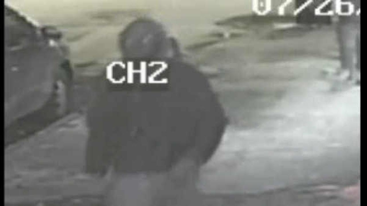 Police searching for suspect who shot teenager in leg in the Bronx