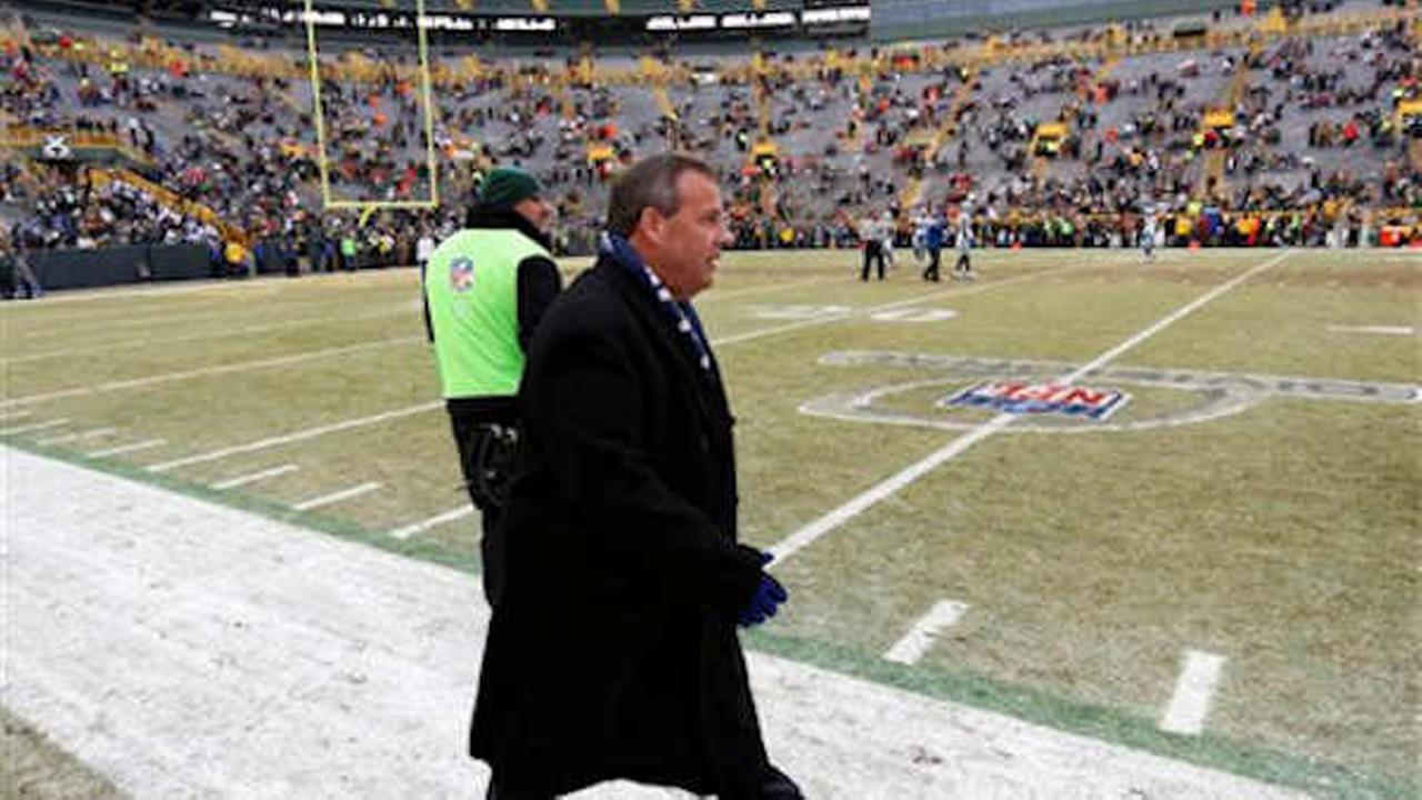 Gov. Christie cheers on Dallas Cowboys in Green Bay