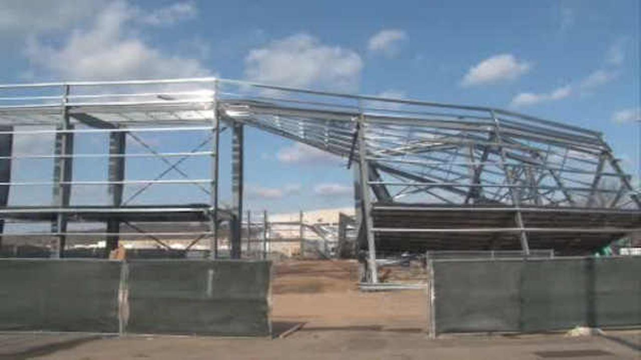 2 injured when airport hangar under construction collapses in Morristown, NJ