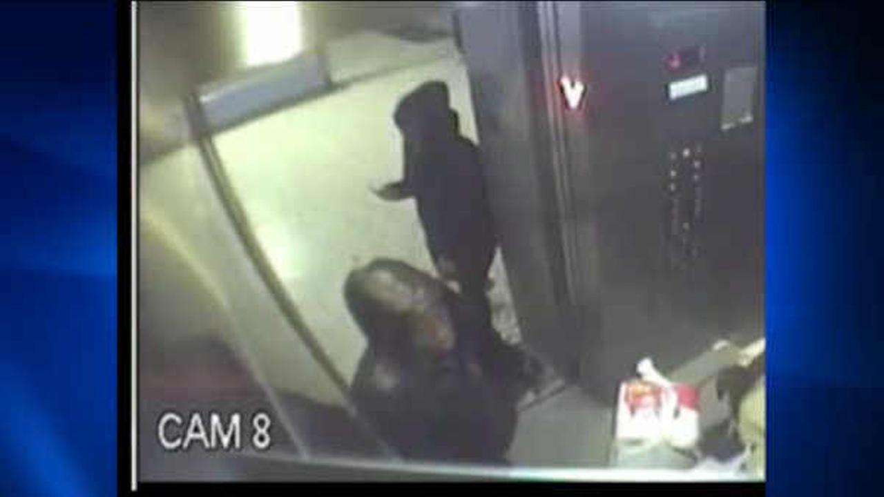 Police search for suspects who tried to rob 80-year old woman in Brooklyn