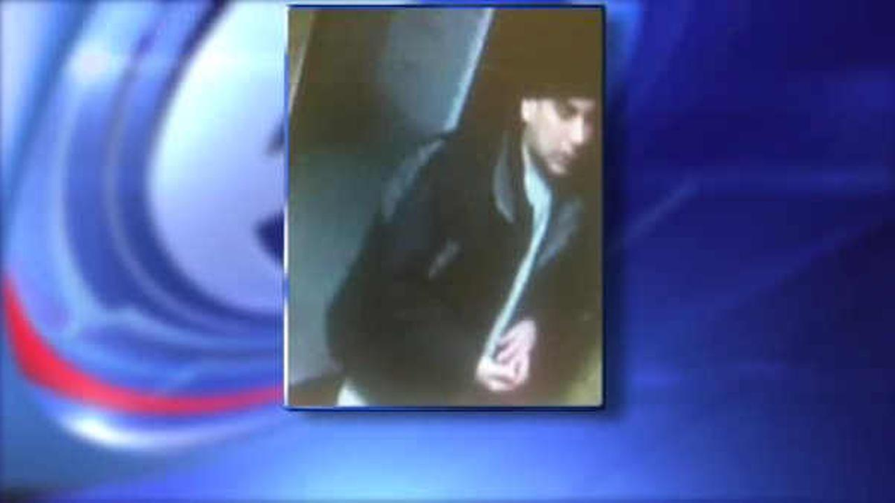 Search for man who stole food and cash from deliverymen on Lower East Side