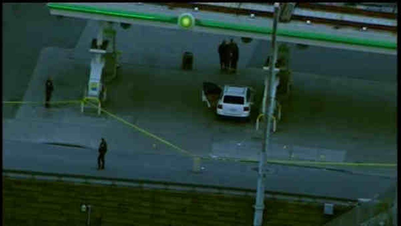 Man fatally shot in Queens; fleeing gunman may have been hit by car