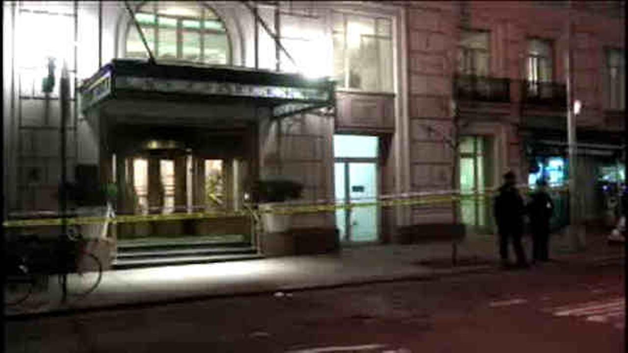 NYPD: Man shoots pregnant girlfriend, then himself in Manhattan hotel lobby