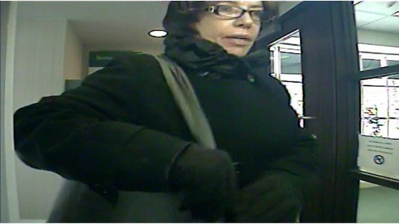 Greenwich police searching for woman who robbed bank