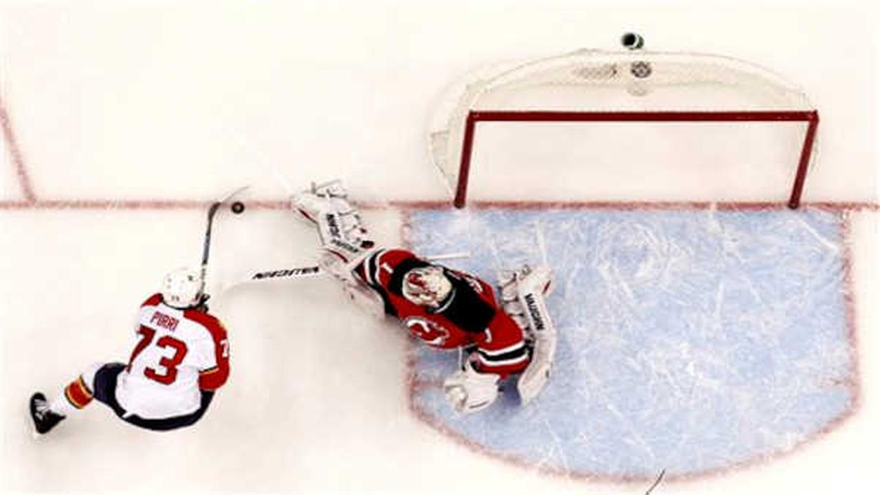 Rookie Keith Kinkaid stops 26 shots as Devils beat Panthers 3-1