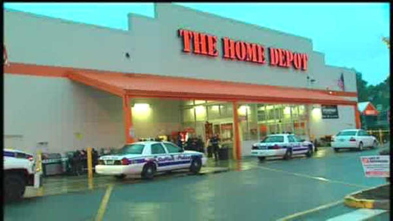 Ex-worker convicted in Home Depot bomb plot gets 30 years