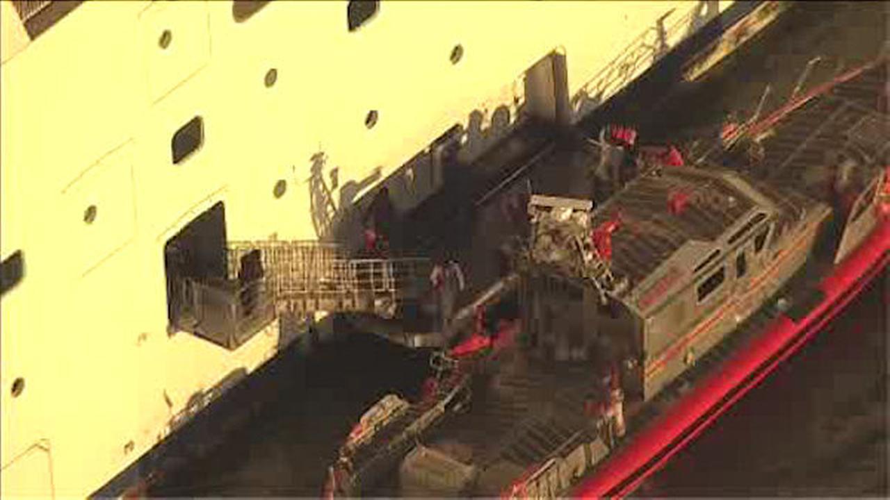 Injured passenger helped off of Norwegian Cruise ship in New York