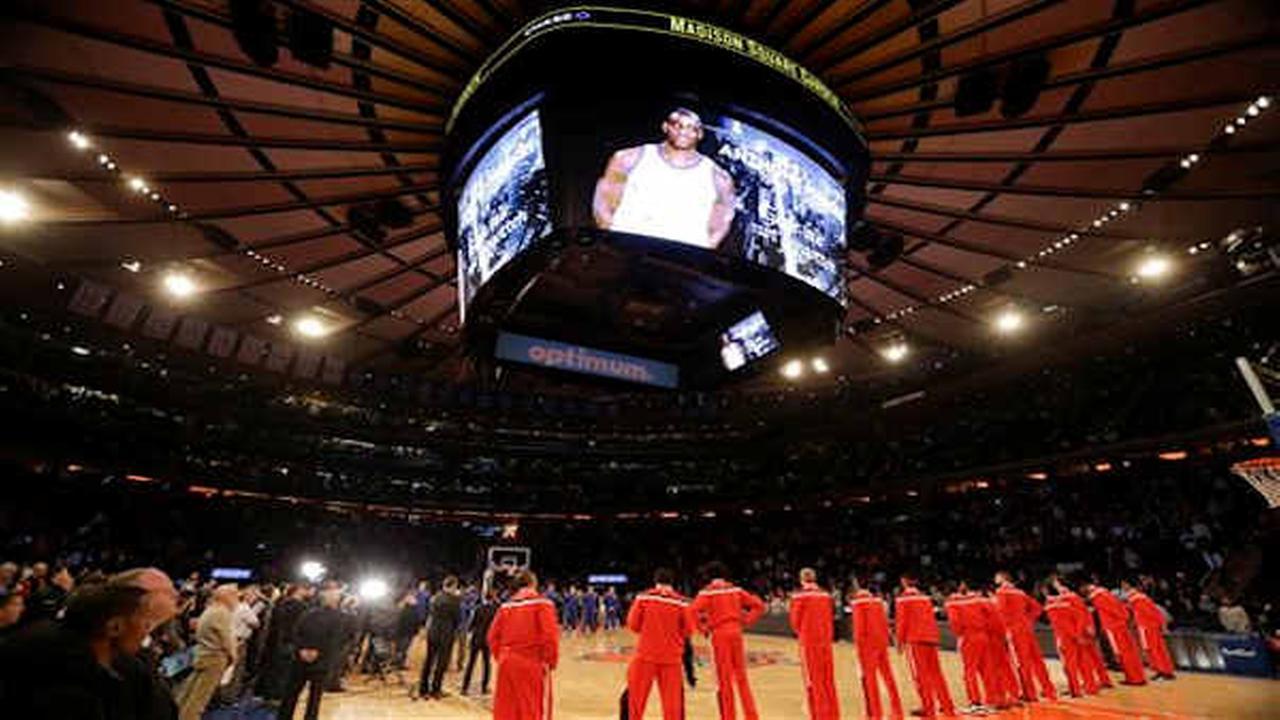 Knicks honor Anthony Mason, win 2nd straight