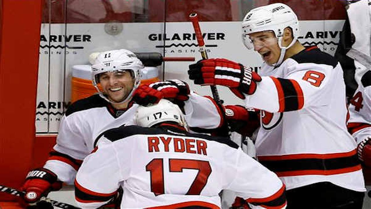 Devils recover from slow start, beat Coyotes 4-1