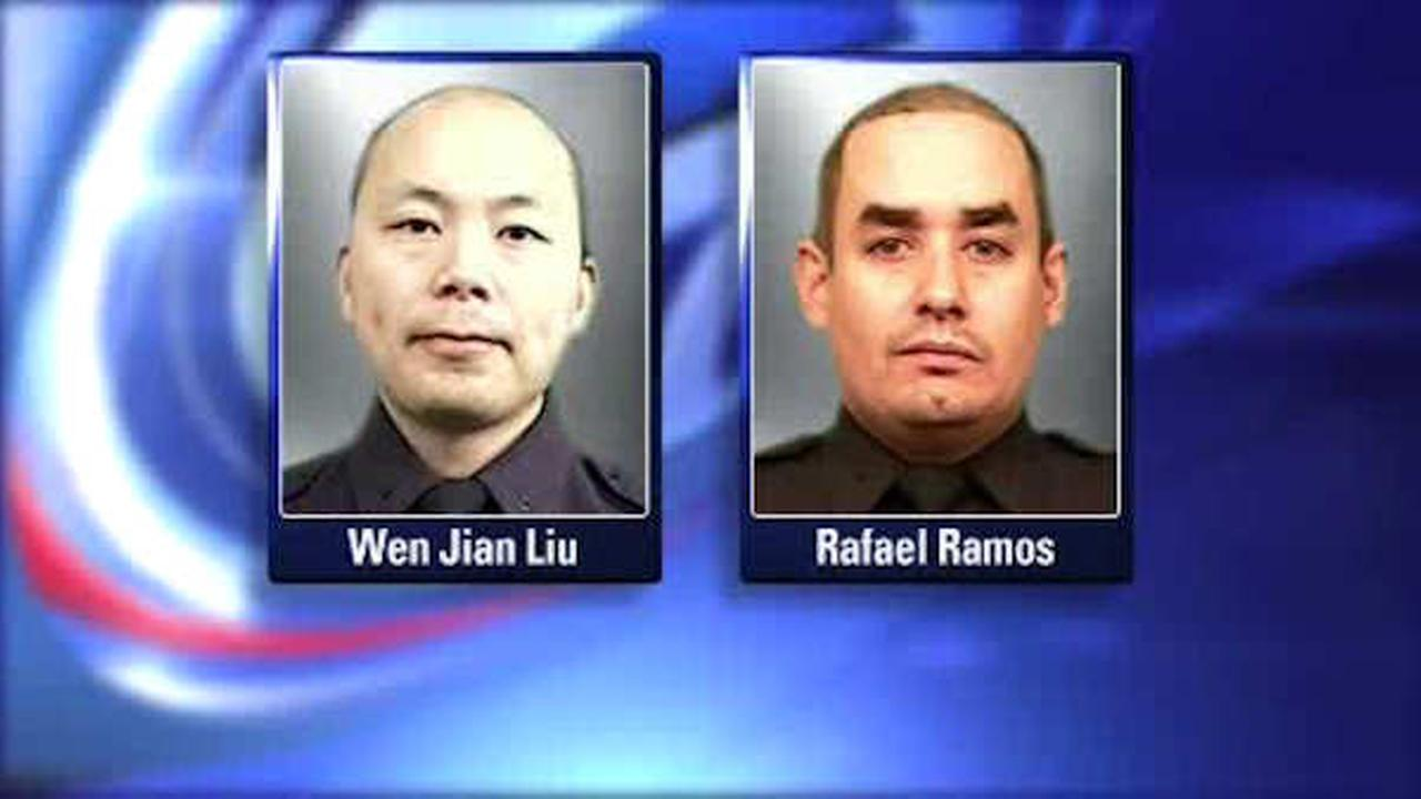 Slain NYPD officers posthumously honored at Queens award ceremony