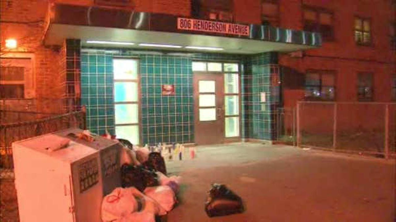 15-year-old girl shot in face outside Staten Island housing complex