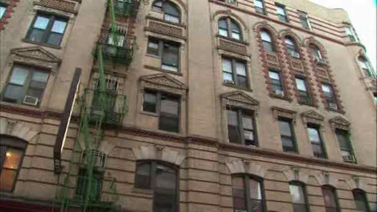 Woman found dead in bathtub in apartment on Lower East Side