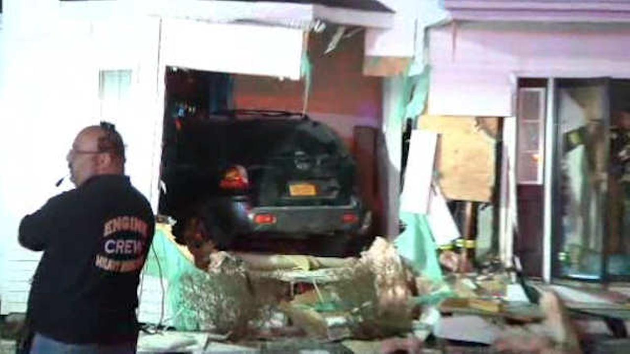 Man charged with DWI after car crashes into house in Suffolk County