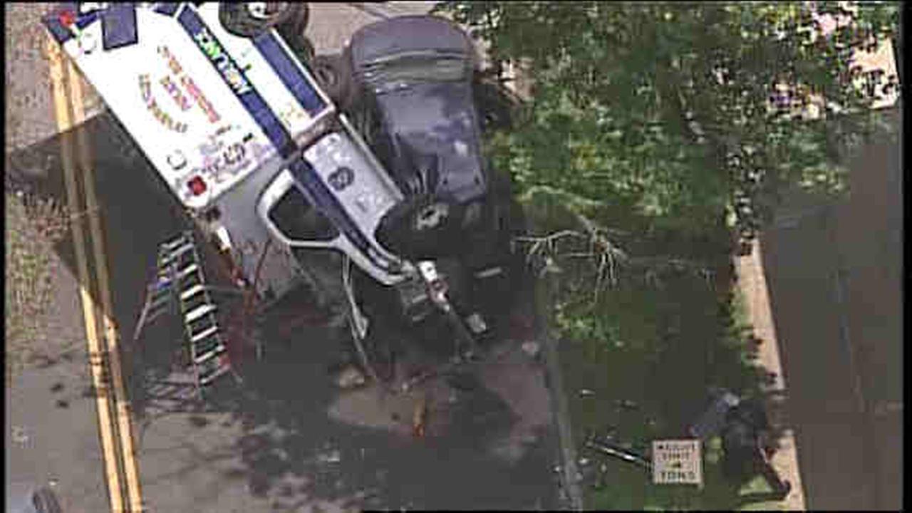 ambulance accident in lyndhurst