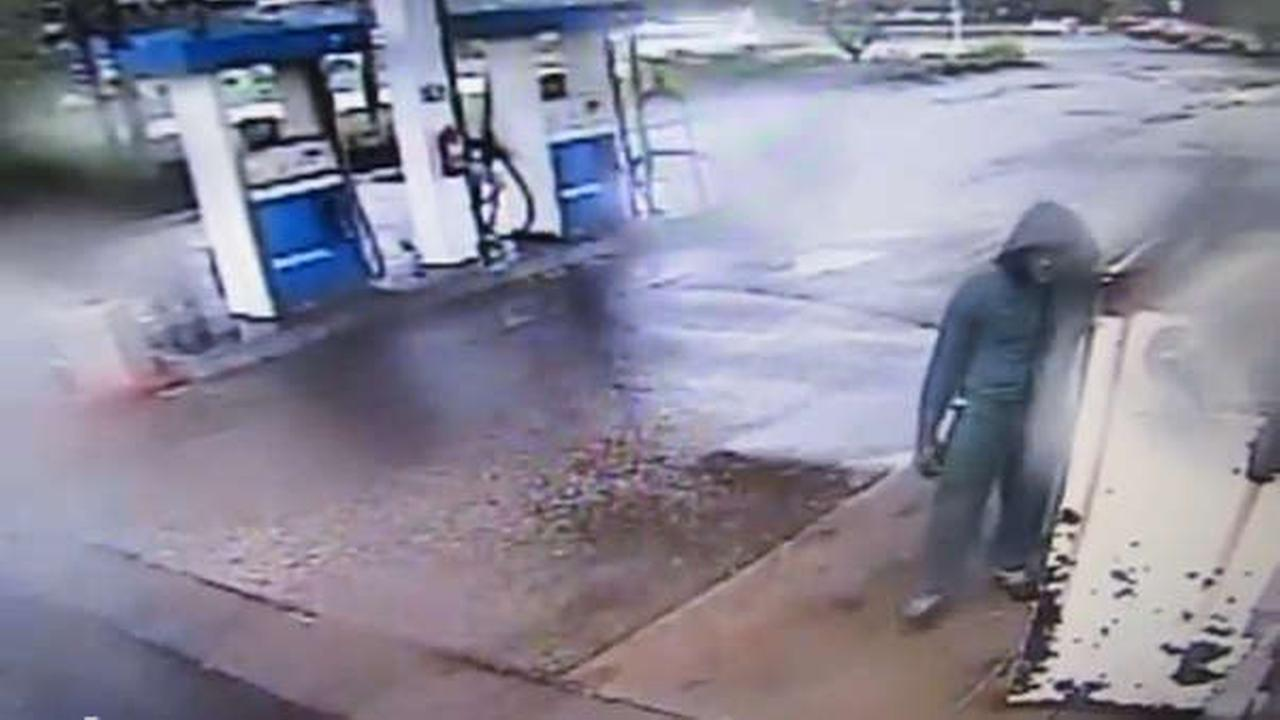 South Brunswick police look for suspect in caught-on-camera gas station robbery