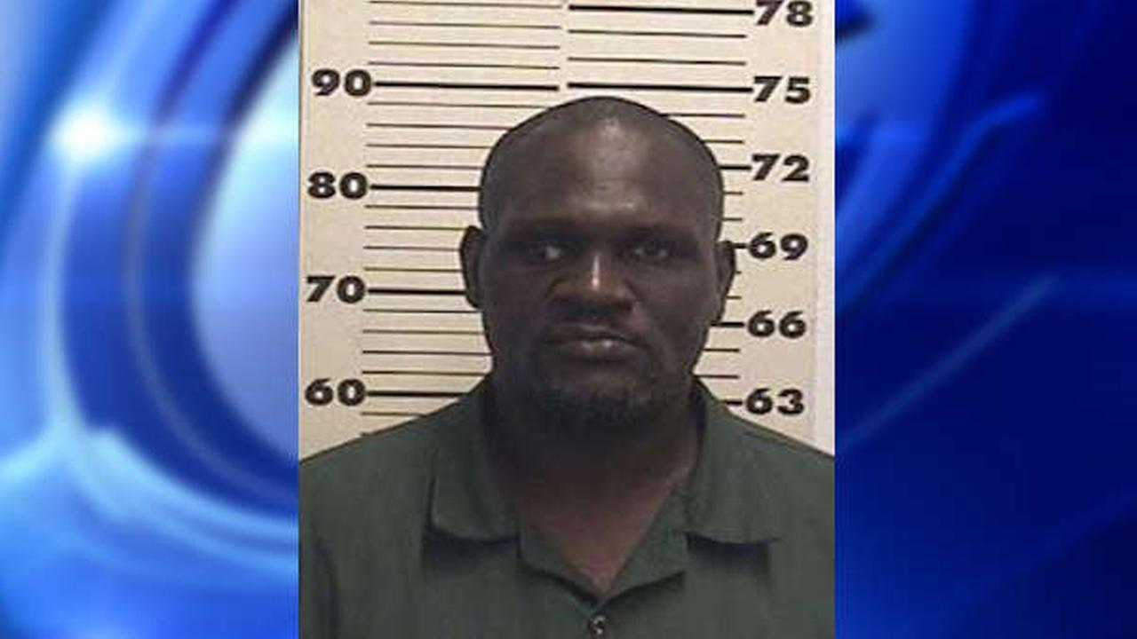 Police: Homeless man arrested in New York after pushing stranger into subway train