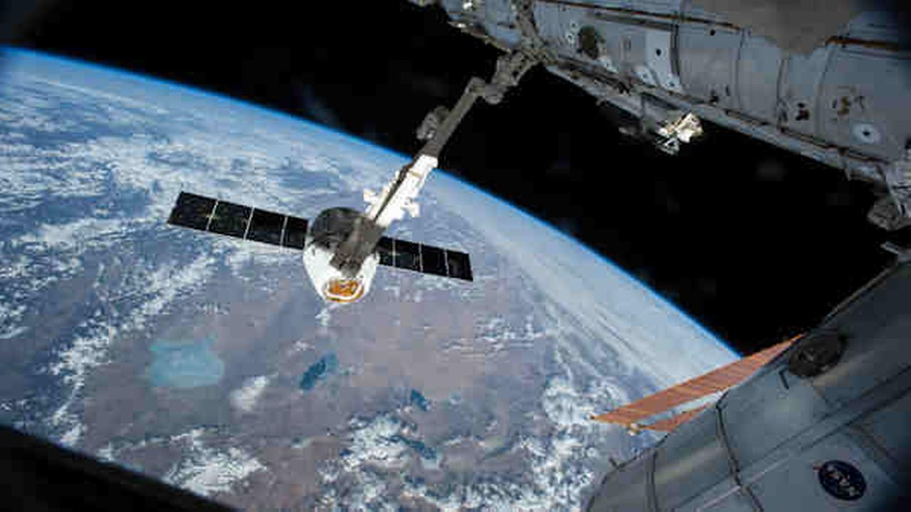 Space station crew: Russia's spinning supply ship a total loss