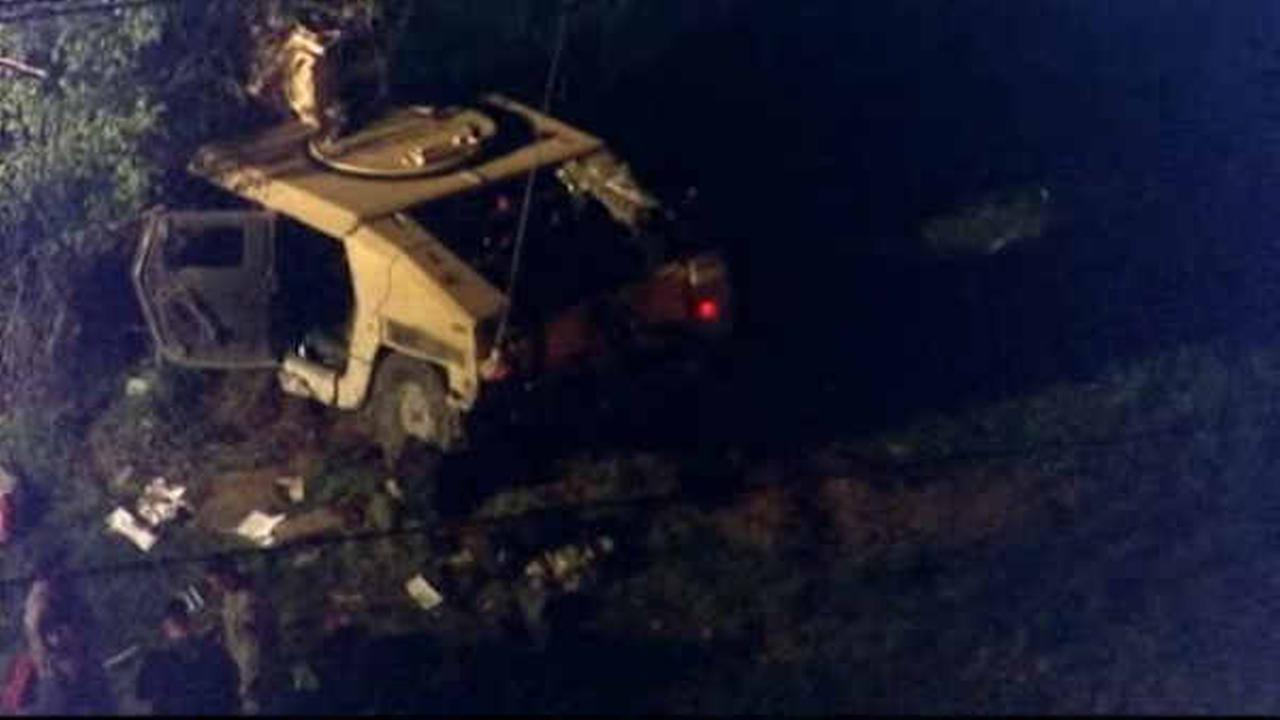 4 soldiers injured when humvee crashes on New Jersey Turnpike