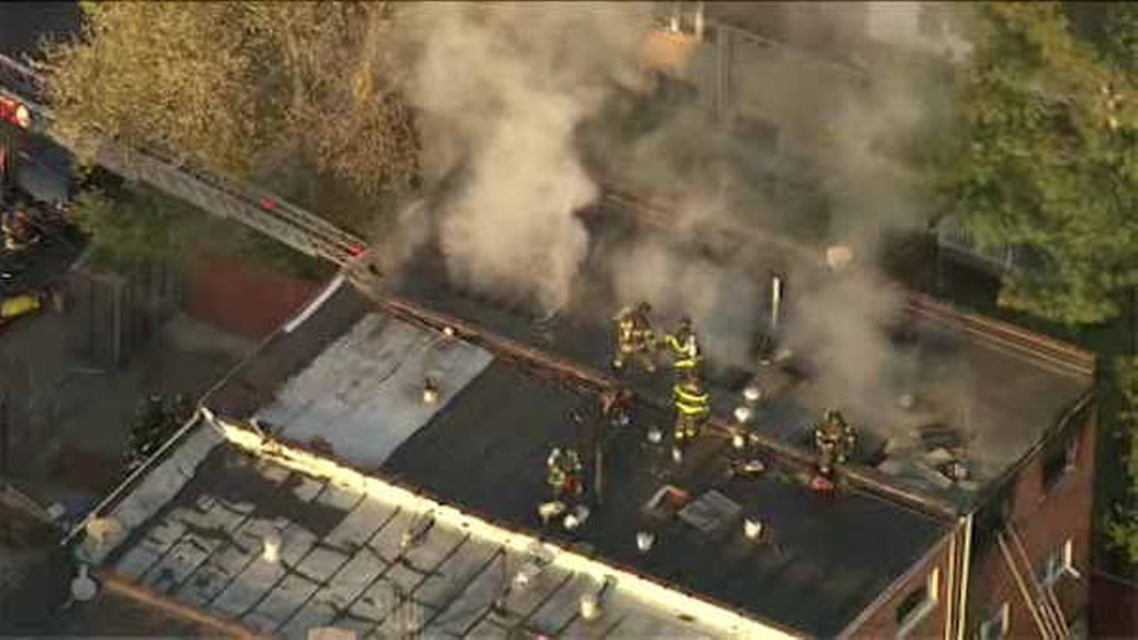 2 people injured in apartment fire in the Bronx