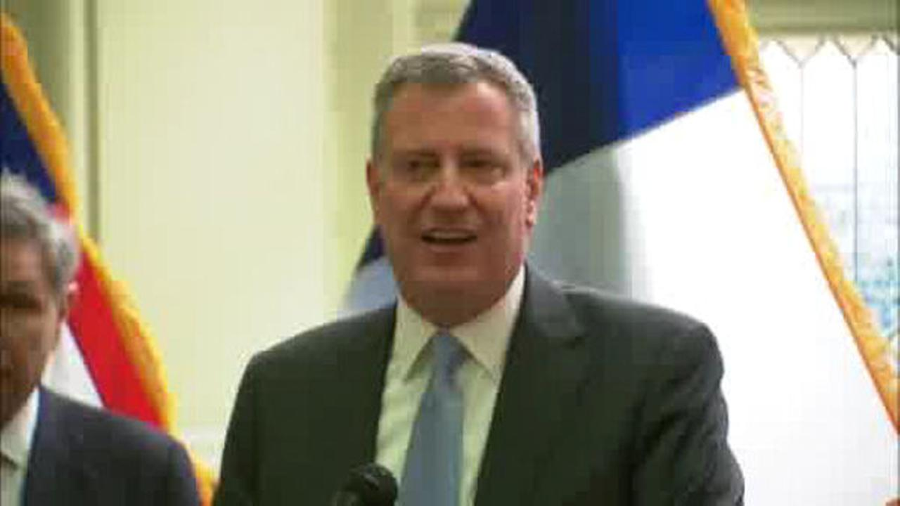 New poll shows de Blasio at lowest approval rating ever