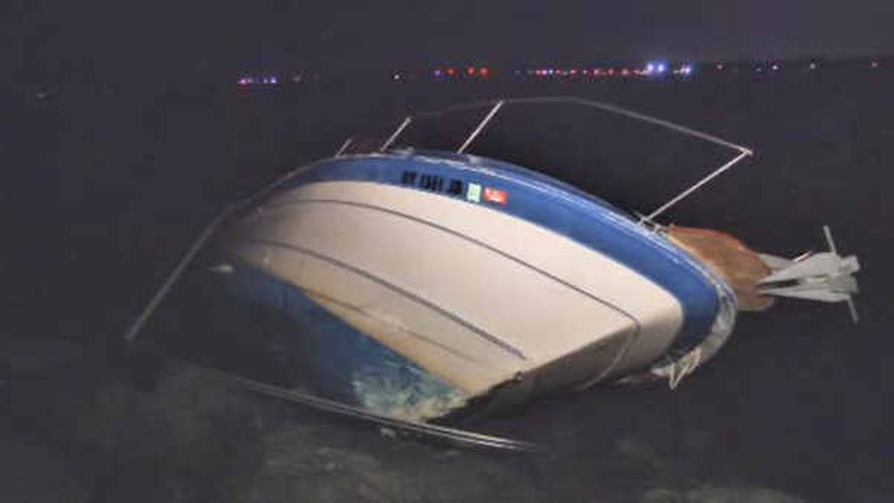 Police: Driver crashes boat into Long Island jetty, then runs off