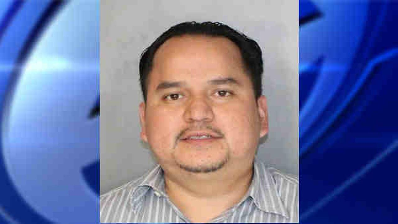 Limo driver sleeping on Southern State Parkway exit ramp suspected of DWI