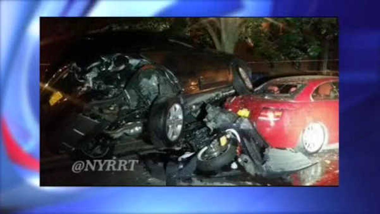 2 people seriously hurt in multi-car crash in Fort Greene, Brooklyn