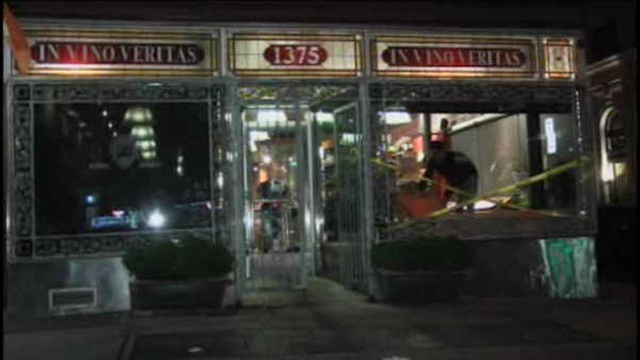 Driver crashes through front of Upper East Side wine store