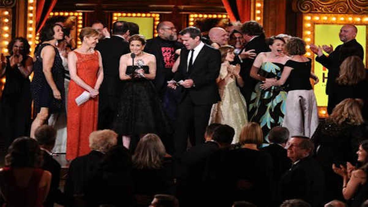 Poignant 'Fun Home' wins 2015 best musical Tony Award