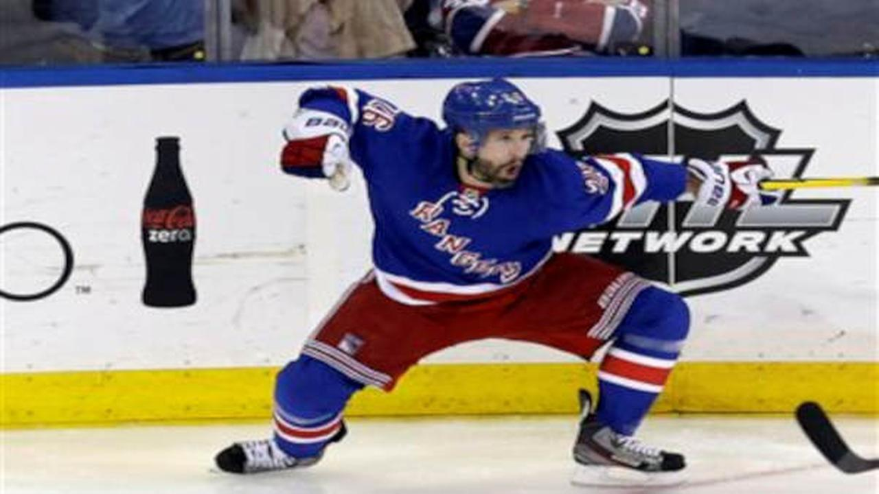 Rangers 1 win away from Stanley Cup finals after Martin St. Louis' OT goal beats Canadiens