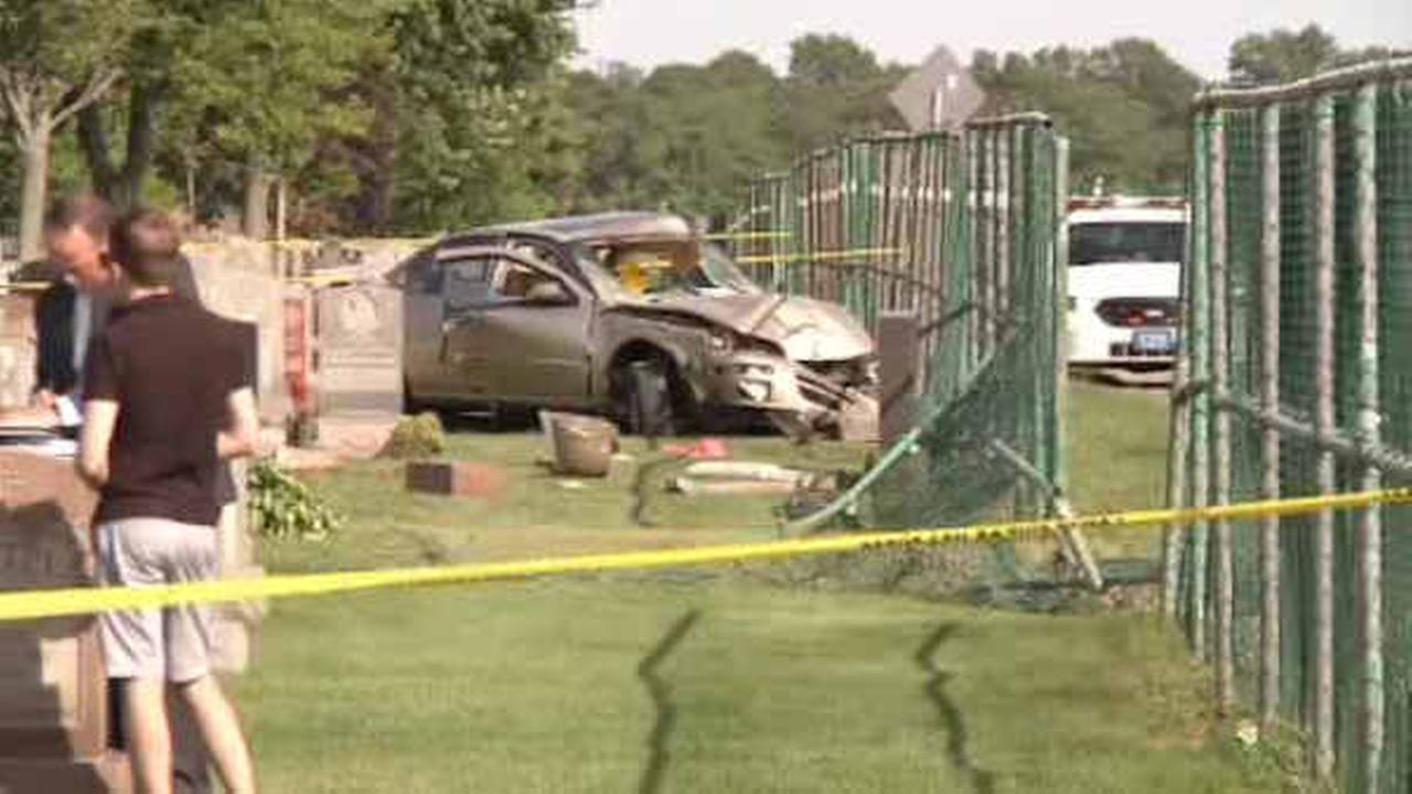 Father and son killed after crashing into cemetery in New York