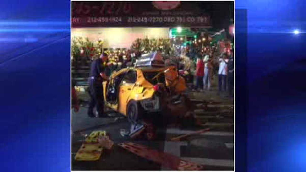4 hurt when SUV and taxi cabs collide in Midtown Manhattan