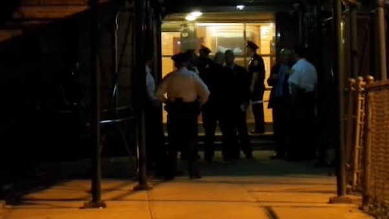 Police looking for killer after man shot, stabbed in East Harlem