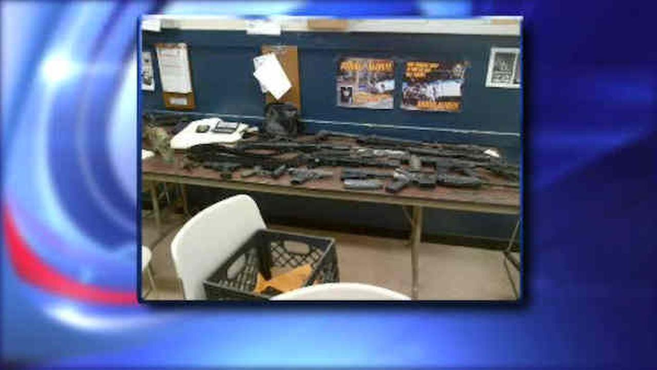 Staten Island bagel store burglary leads police to cache of weapons inside home
