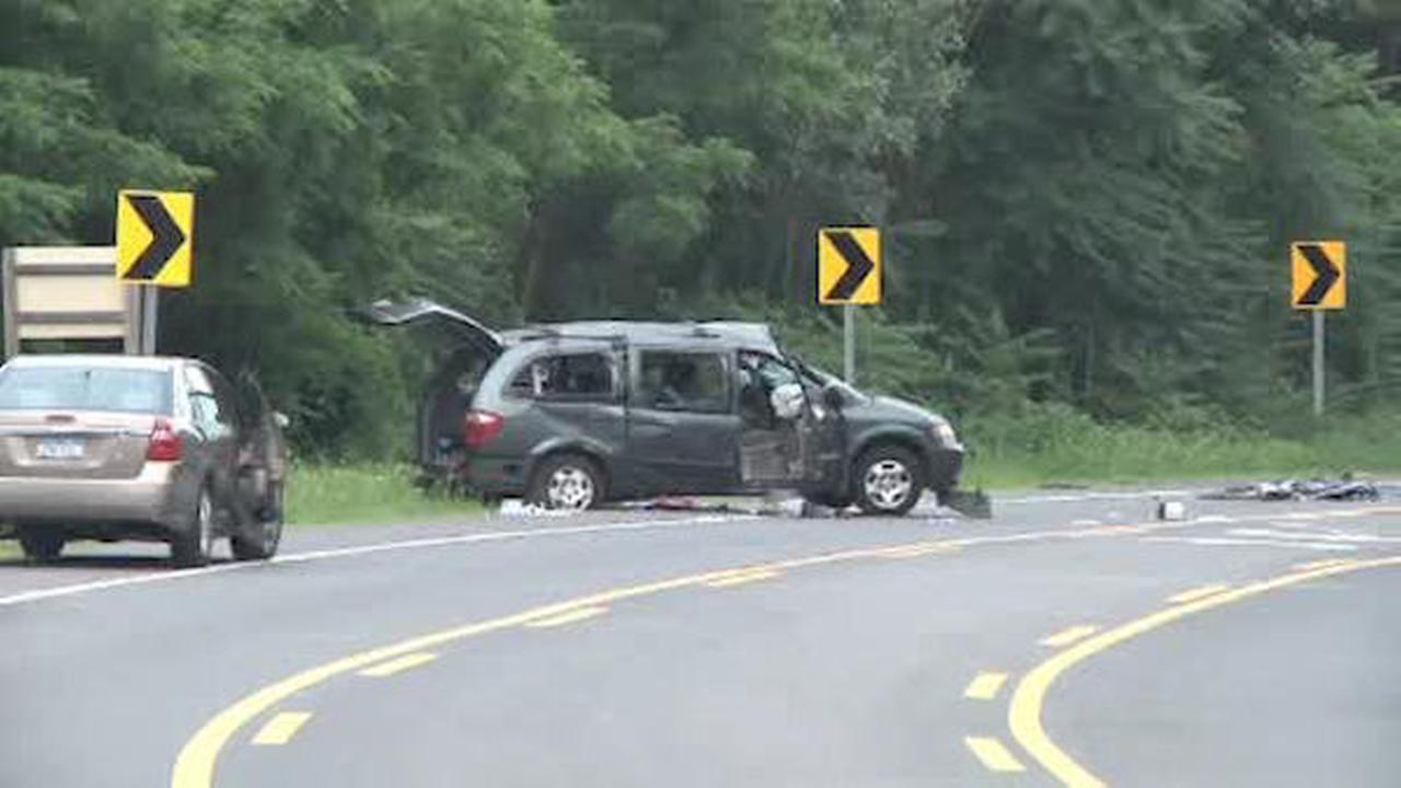 1 dead, several others injured in Brookhaven van crash