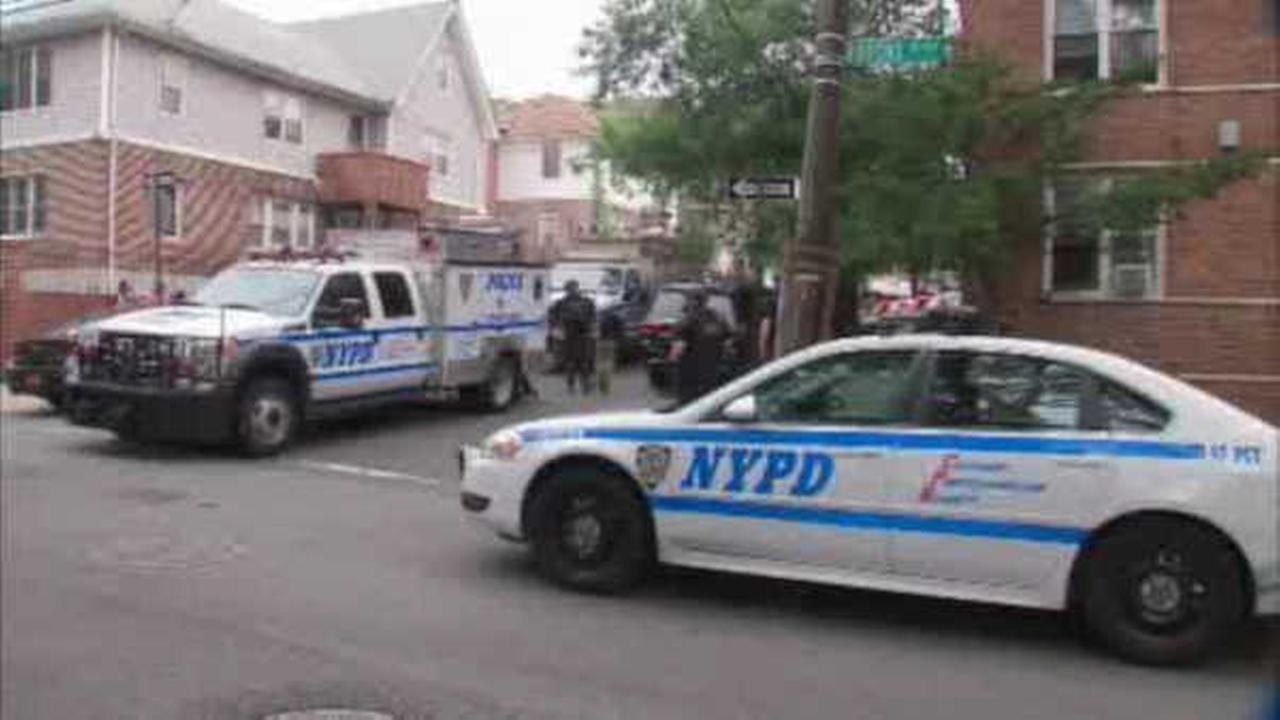 Police: Man punches off-duty NYPD officer, steals her gun